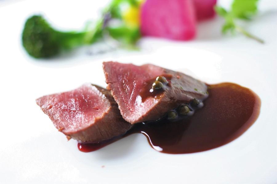 Etuvée de Chevreuil Sauce Saint-christphe